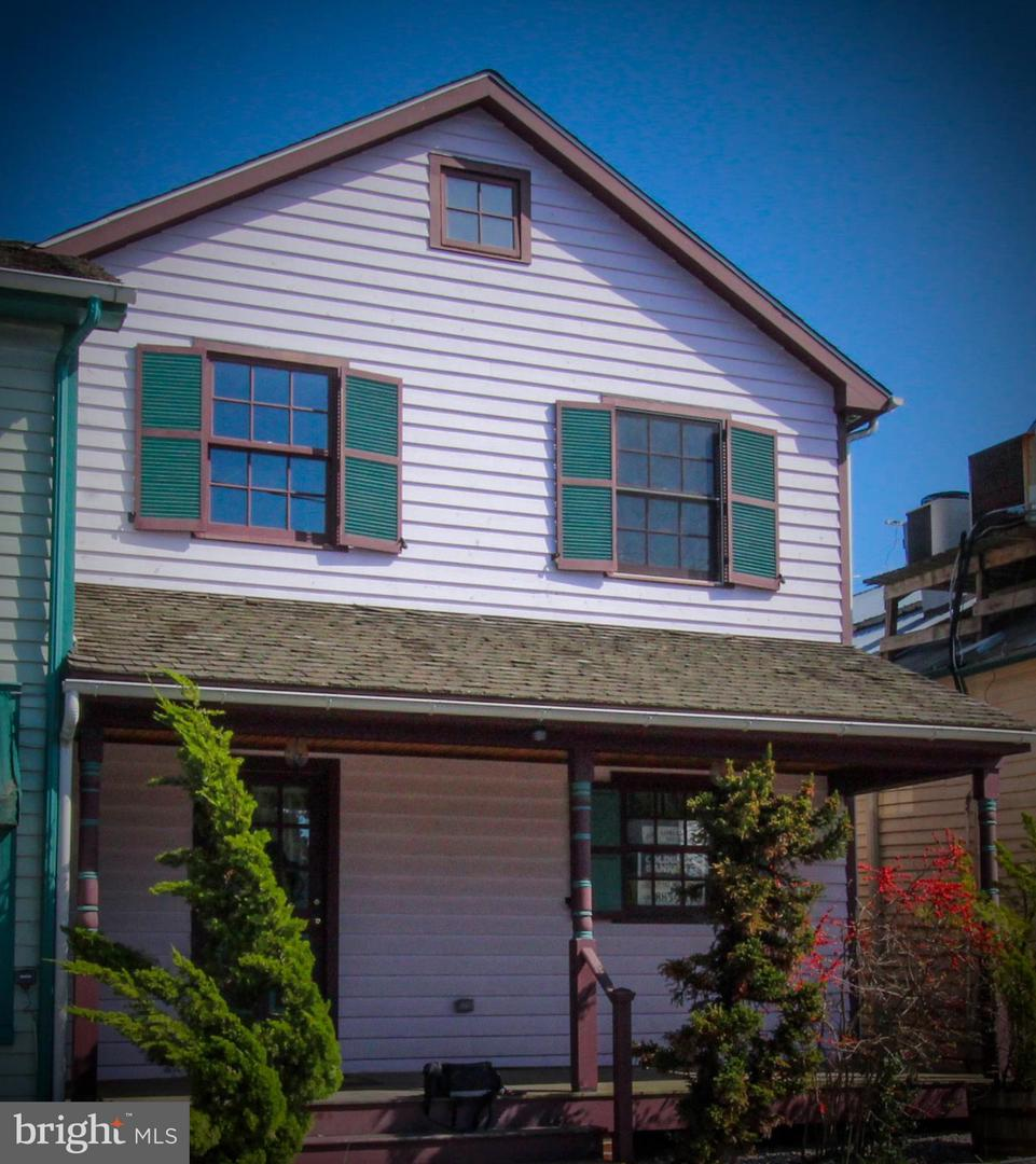 Commercial for Sale at 108 George St 108 George St Chesapeake City, Maryland 21915 United States