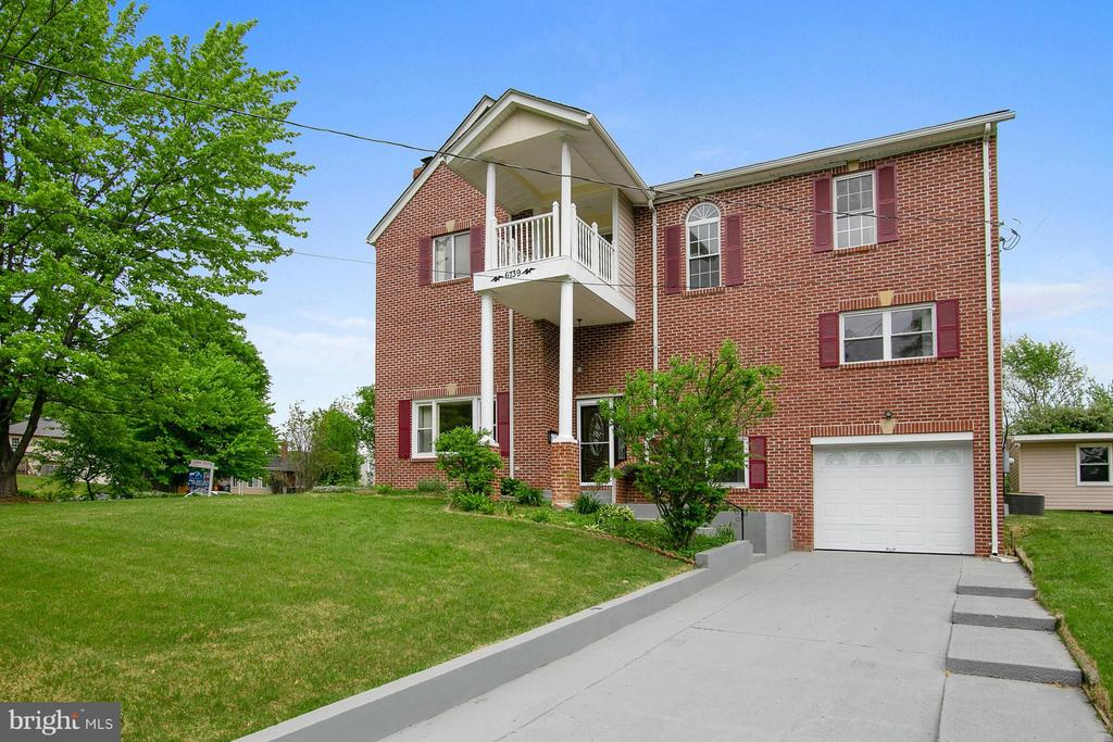 6739  BOSTWICK DRIVE, West Springfield, Virginia