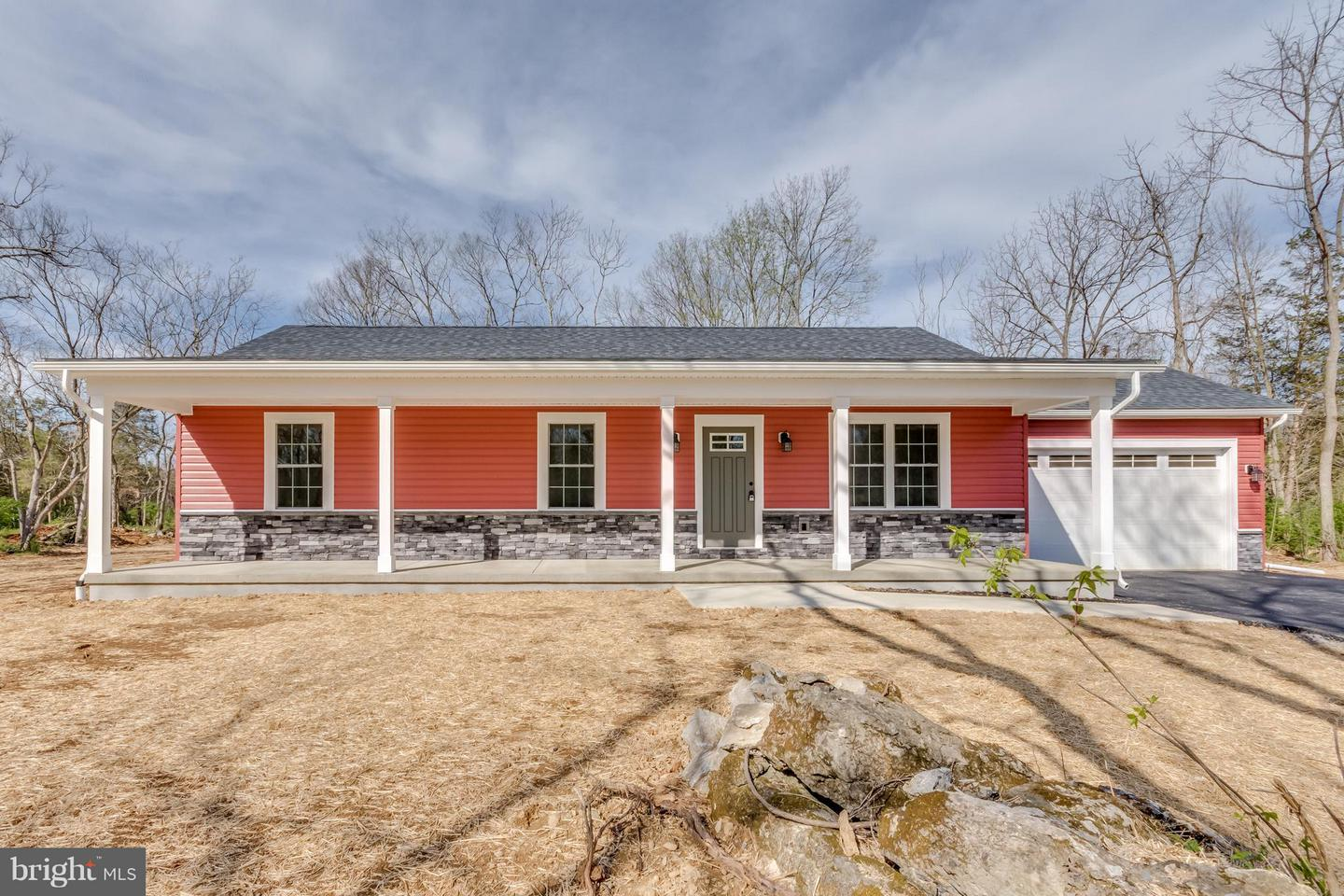 Single Family for Sale at 3 Point View Est Ph #2 Berkeley Springs, West Virginia 25411 United States