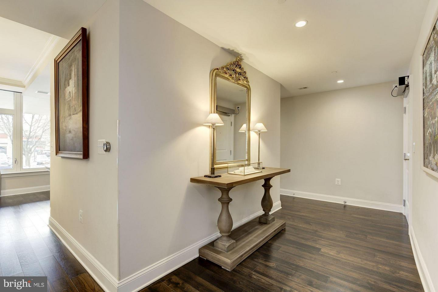 Additional photo for property listing at 4915 Hampden Ln #201  Bethesda, Maryland 20814 United States