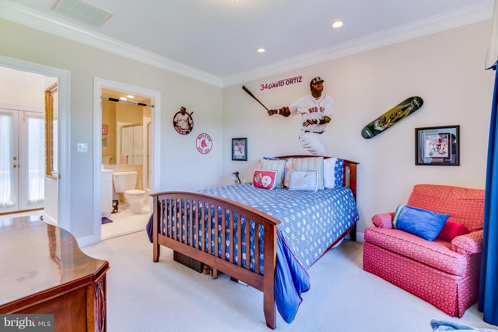 Upper floor bedroom - 2916 SMITHFIELD CT, FREDERICKSBURG