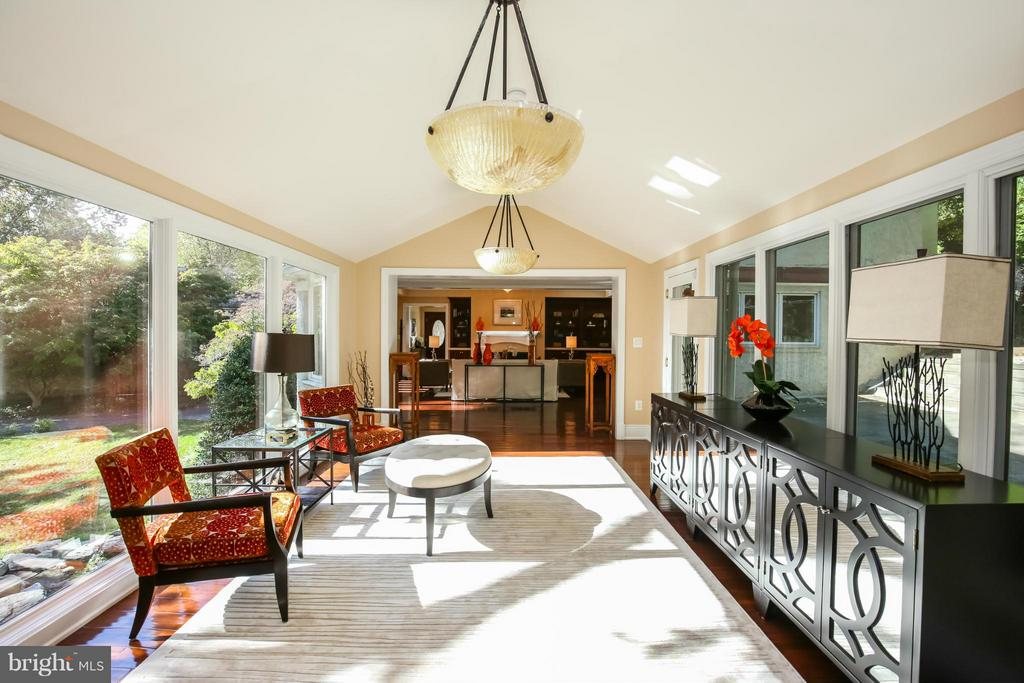 Sun Room & Space for Entertaining - 2829 TILDEN ST NW, WASHINGTON