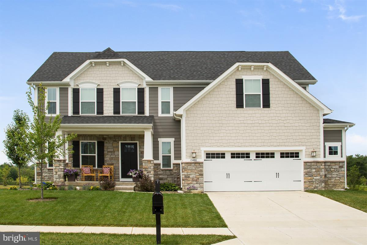Single Family for Sale at 3 Kestral Dr Mechanicsburg, Pennsylvania 17050 United States