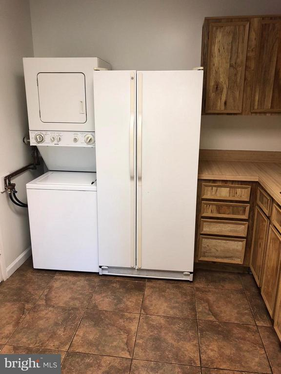 Kitchen - 8360 GREENSBORO DR #309, MCLEAN