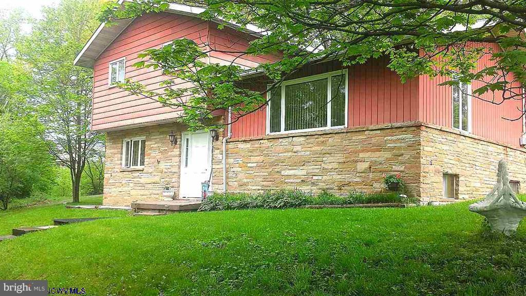 Single Family for Sale at 64 Robert Stone Hwy Reedsville, West Virginia 26547 United States