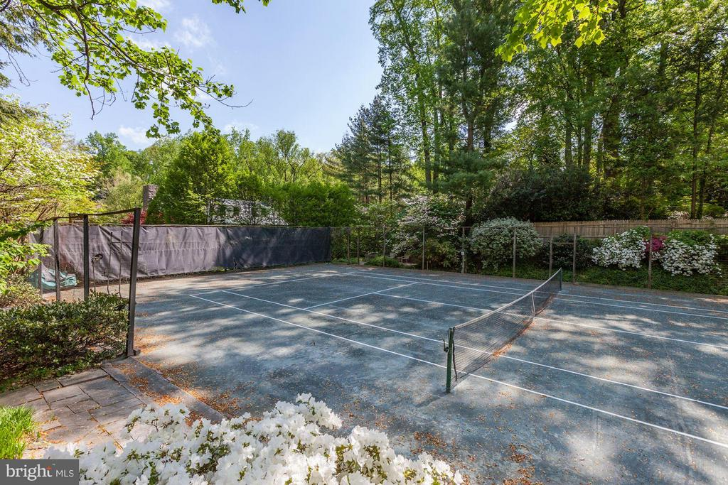 Shared tennis court (ask agent for details) - 4880 GLENBROOK RD NW, WASHINGTON