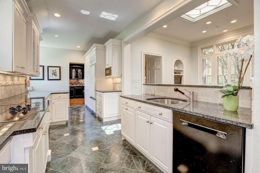 Kitchen wing off gallery to fam. rm. See fl,plans - 4880 GLENBROOK RD NW, WASHINGTON