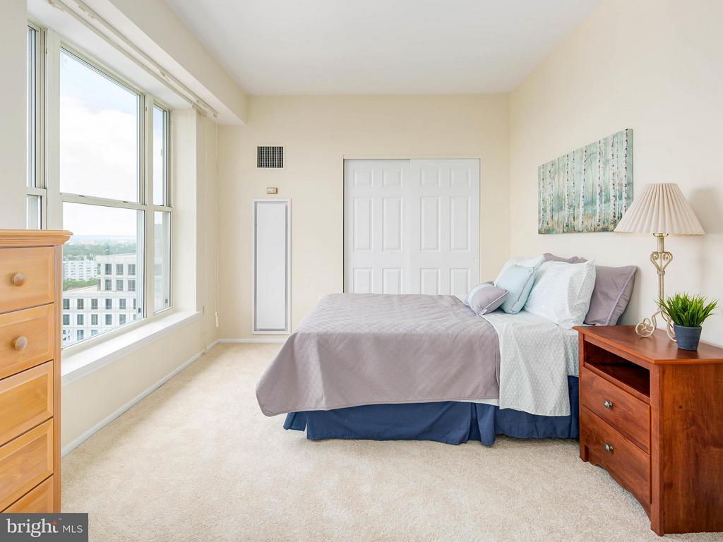 Bedroom (Master) - 900 TAYLOR ST #2105, ARLINGTON