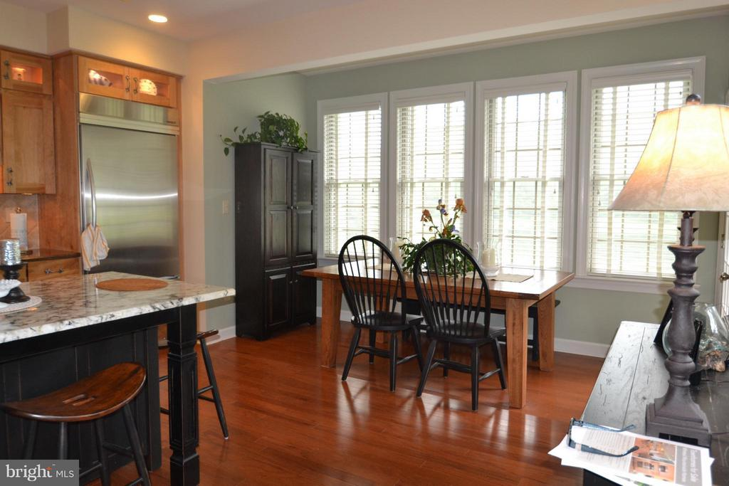 Sep dining area with views - 13878 POND VIEW LN, MERCERSBURG