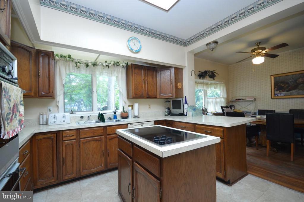 Kitchen - 8386 BRIARMONT LN, MANASSAS