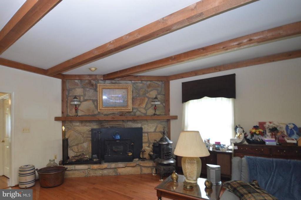 Family Room - 8386 BRIARMONT LN, MANASSAS