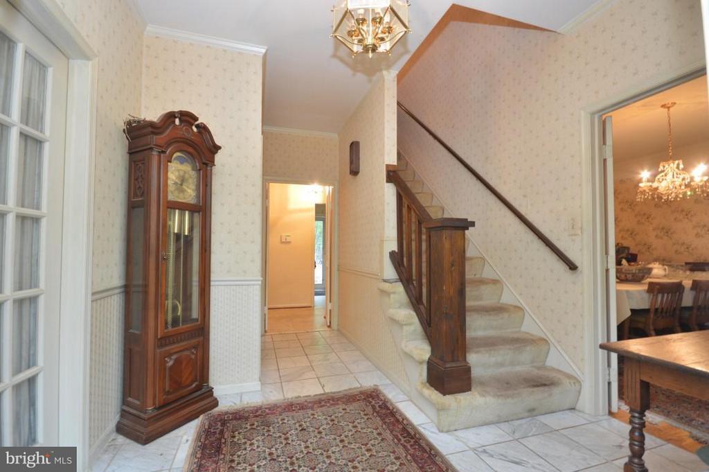 Foyer - 8386 BRIARMONT LN, MANASSAS