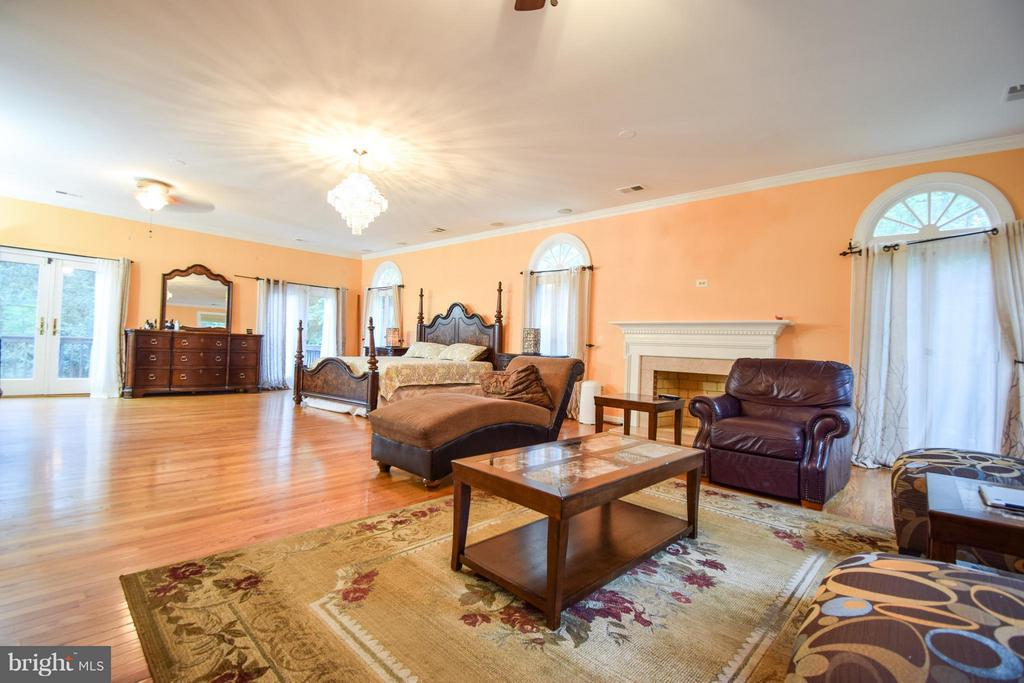 Bedroom (Master) - 9811 HAMPTON RD, FAIRFAX STATION