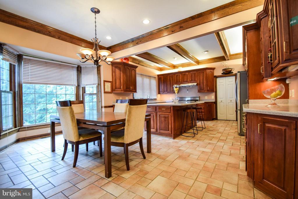 Kitchen - 9811 HAMPTON RD, FAIRFAX STATION