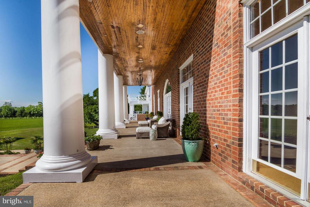 Patios/porches w/ teak ceilings - 4 POINTERS RIDGE CT, FREDERICKSBURG