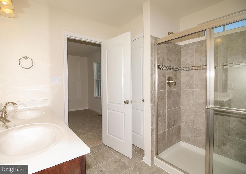 Bath (Master) - 8450 HEDWIG LN, FREDERICK