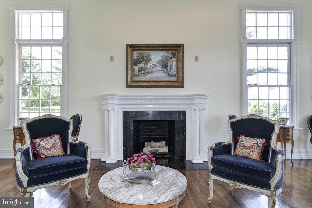 1 of 6 fireplaces w/ hand-carved mahogany mantles - 4 POINTERS RIDGE CT, FREDERICKSBURG