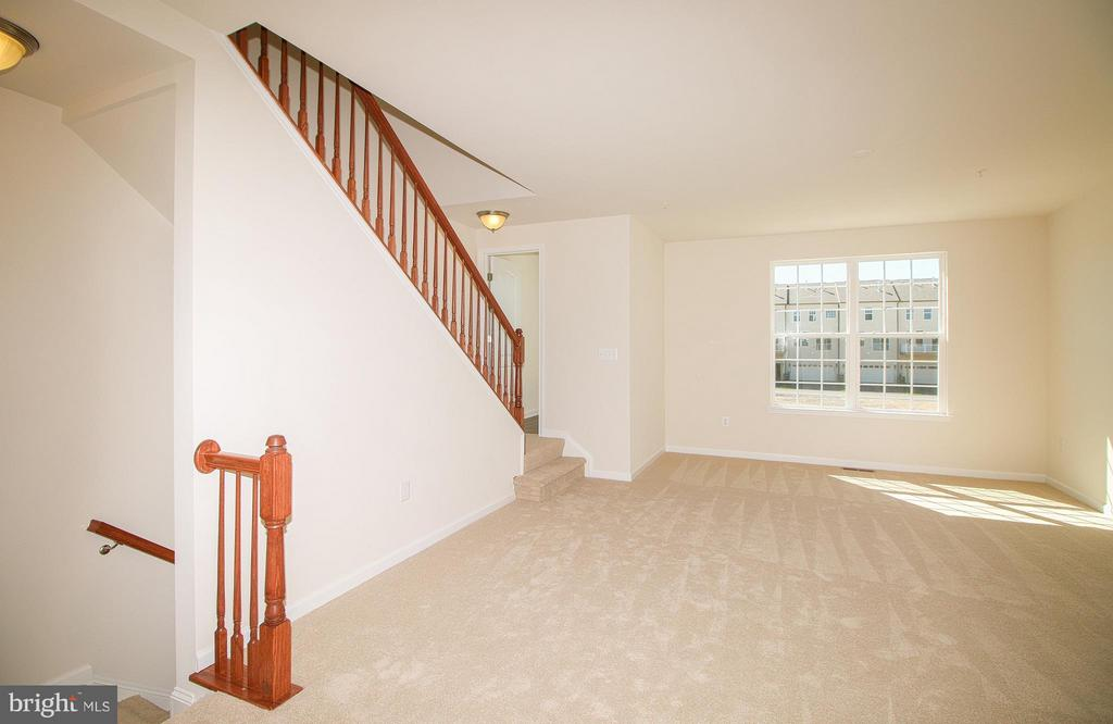 Fully carpeted Great Room - 8450 HEDWIG LN, FREDERICK