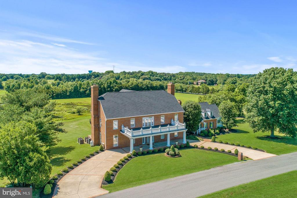This magnificent estate has it all - 4 POINTERS RIDGE CT, FREDERICKSBURG