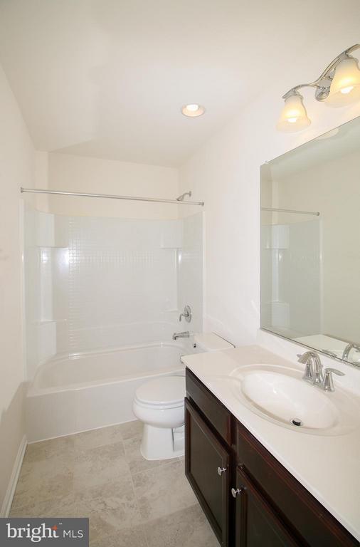 Bath - 8450 HEDWIG LN, FREDERICK