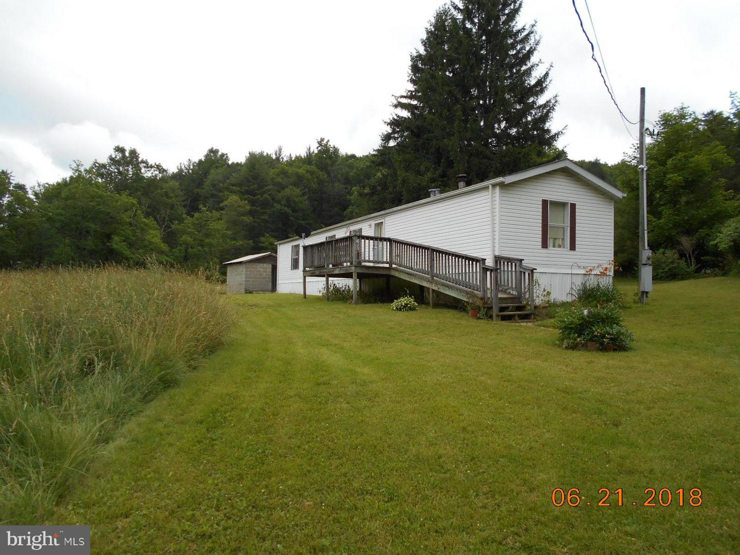 Single Family for Sale at 121 Rock Oak Rd Rio, West Virginia 26755 United States