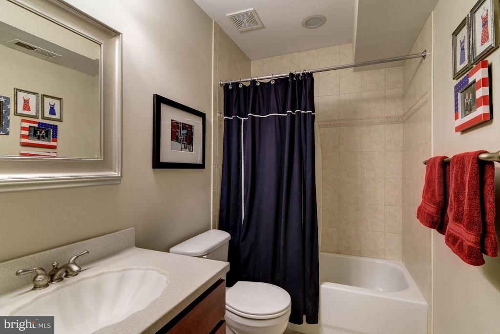 Full Bath - 8633 FENWAY RD, BETHESDA