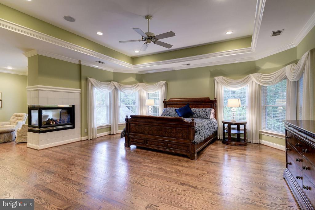 Master Bedroom - 8633 FENWAY RD, BETHESDA