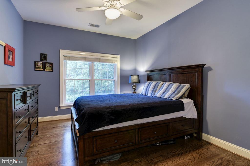 Bedroom 2 - 8633 FENWAY RD, BETHESDA