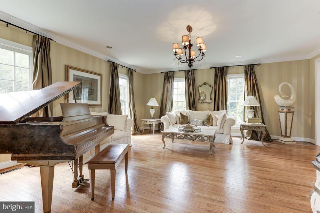 Formal Living Room - 18572 SEMINOLE CT, LEESBURG