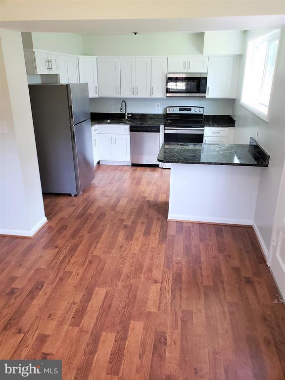 Kitchen - 4433 19TH PL NE, WASHINGTON