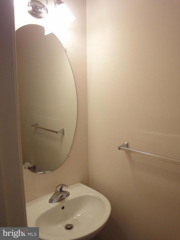 Bath - 12948 CLARKSBURG SQUARE RD, CLARKSBURG