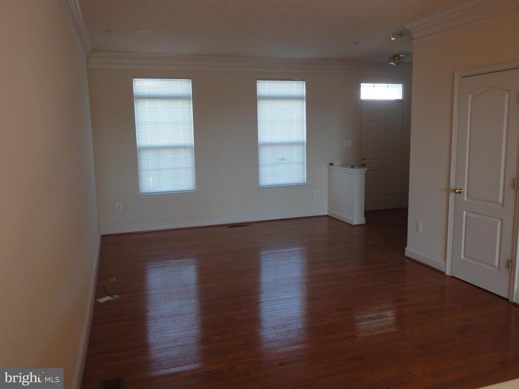 Living Room - 12948 CLARKSBURG SQUARE RD, CLARKSBURG