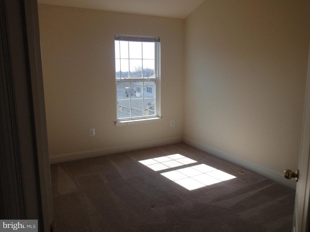 Bedroom - 12948 CLARKSBURG SQUARE RD, CLARKSBURG