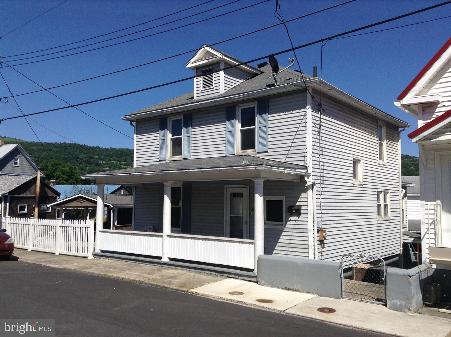 Single Family for Sale at 434 Vine St Westernport, Maryland 21562 United States