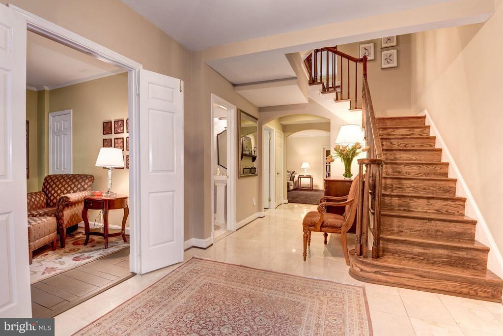 Entry Foyer - 1807 24TH ST S, ARLINGTON