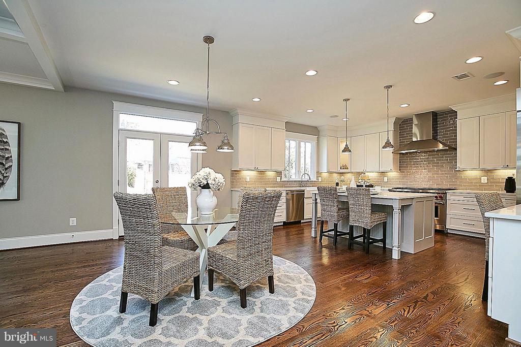 MODEL HOME. FINISHES & FEATURES MAY VARY - 6910 STRATA ST, MCLEAN
