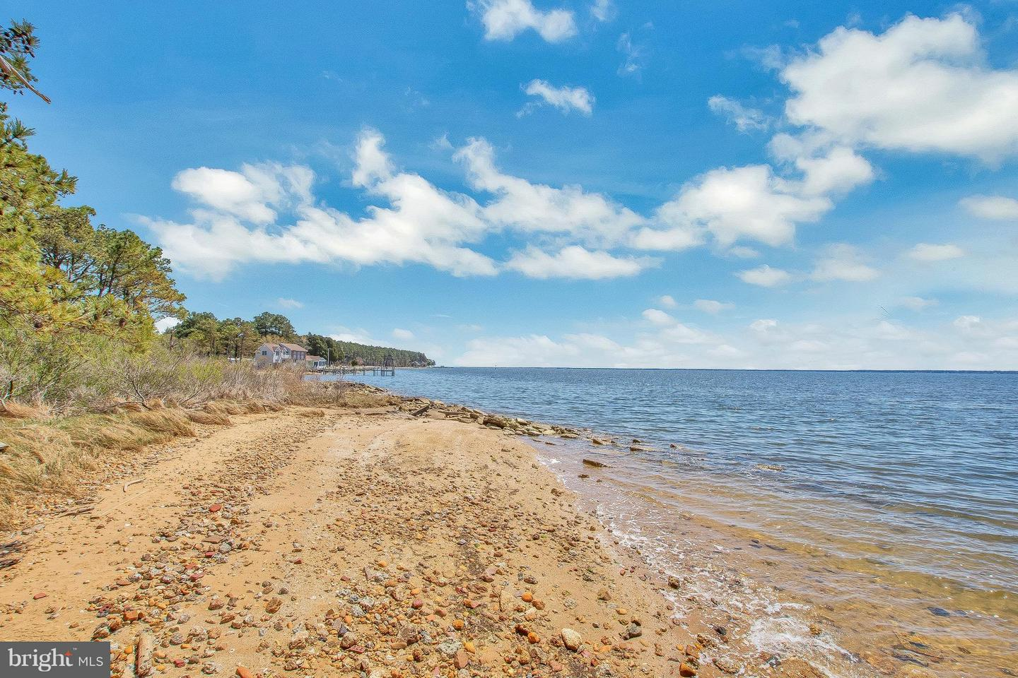 Land for Sale at 16437 Thomas Rd Piney Point, Maryland 20674 United States