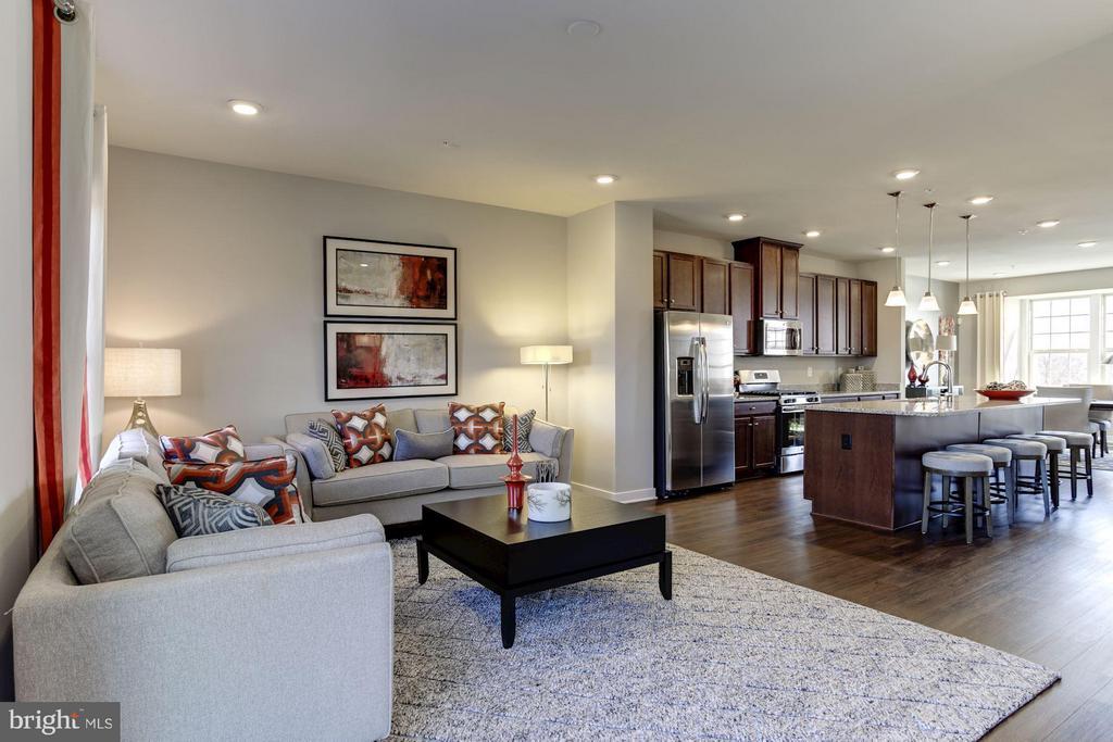 Living Room - 5605 RICHMANOR TER #F, UPPER MARLBORO