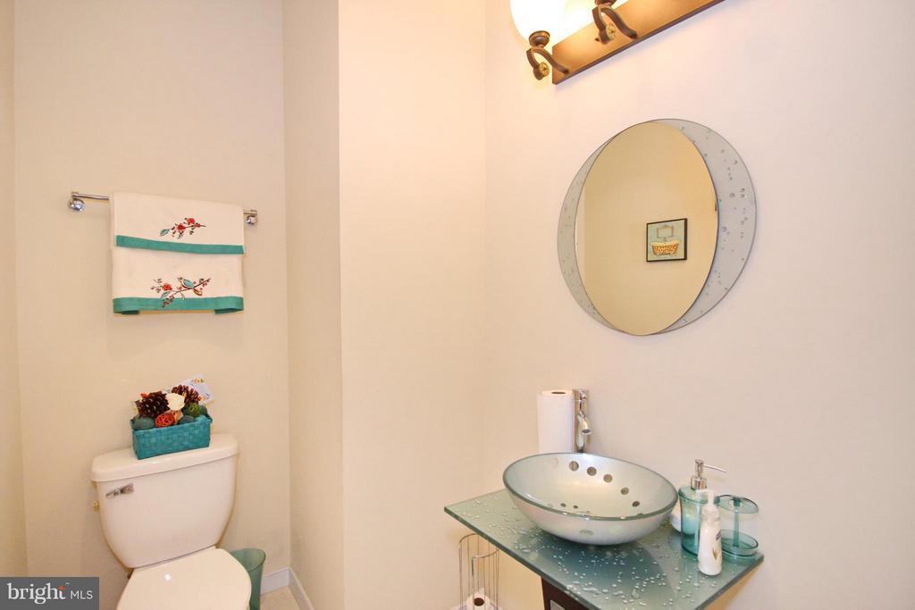 Bath - 3431 23RD ST SE, WASHINGTON