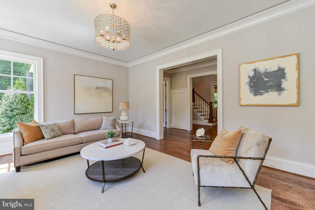 Family Room - 8437 SPARGER ST, MCLEAN