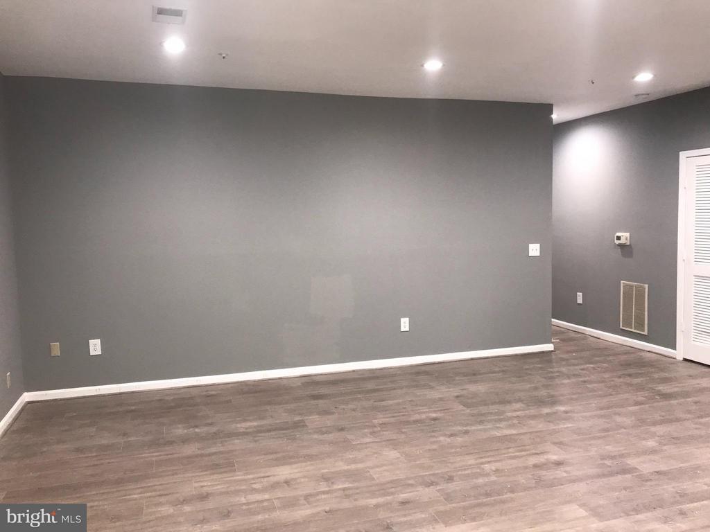 Living Room - 7220 TAMO CT #1, LANDOVER