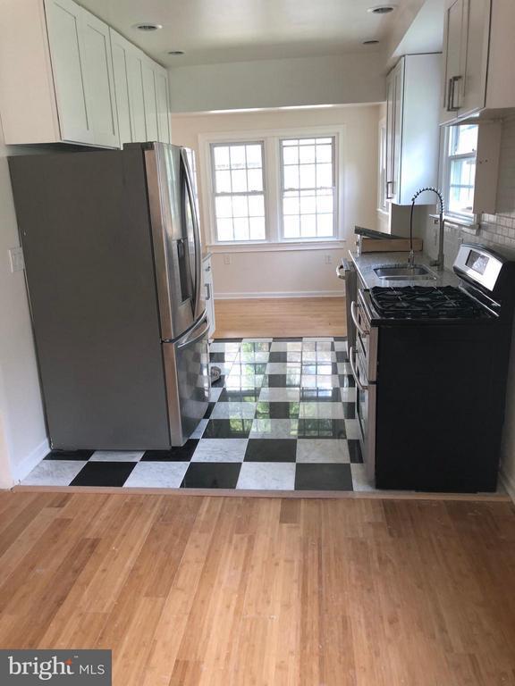 Kitchen - 123 PEABODY ST NW, WASHINGTON