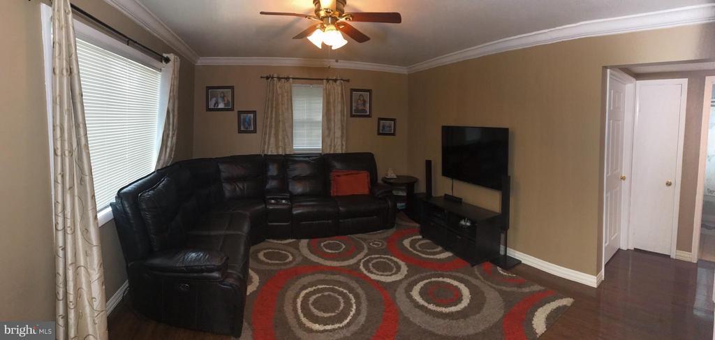 Living Room - 13432 FOREST GLEN RD, WOODBRIDGE