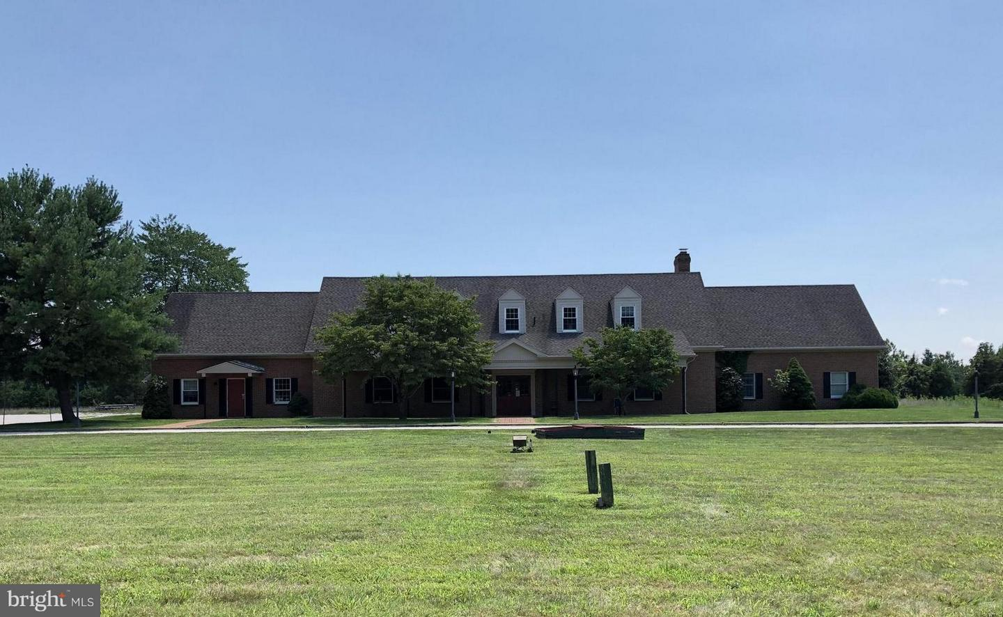 Commercial for Sale at 16609 Shepherdstown Pike Sharpsburg, Maryland 21782 United States