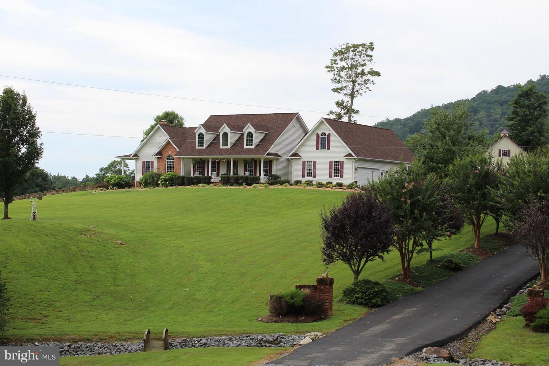 Single Family for Sale at 40 Buckhill Ln Washington, Virginia 22747 United States