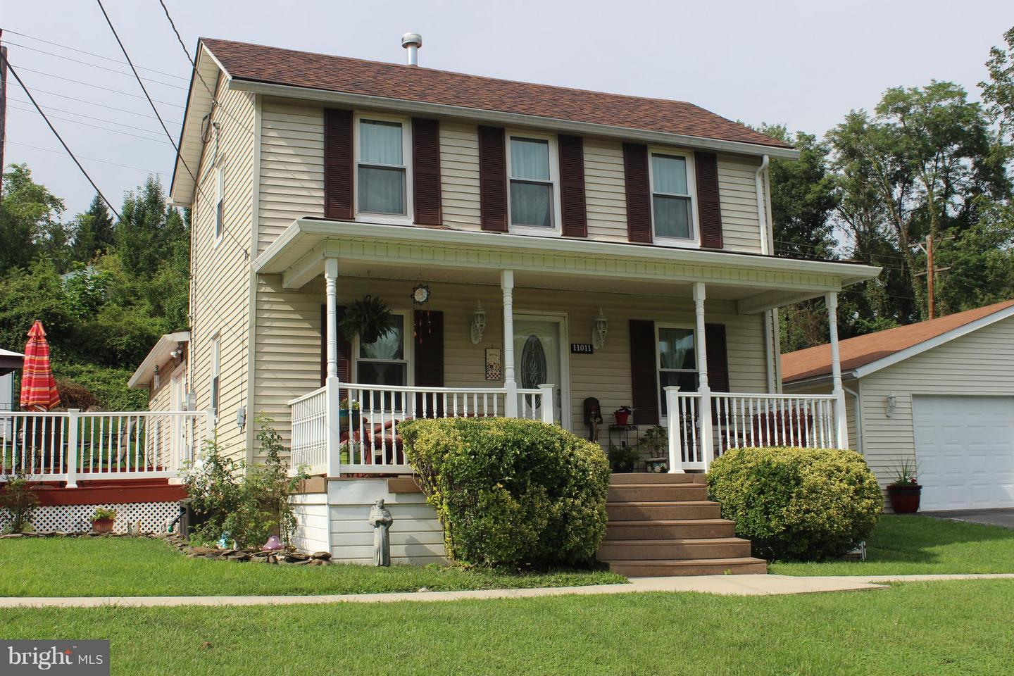 Single Family for Sale at 11011 Whitehair St Corriganville, Maryland 21524 United States