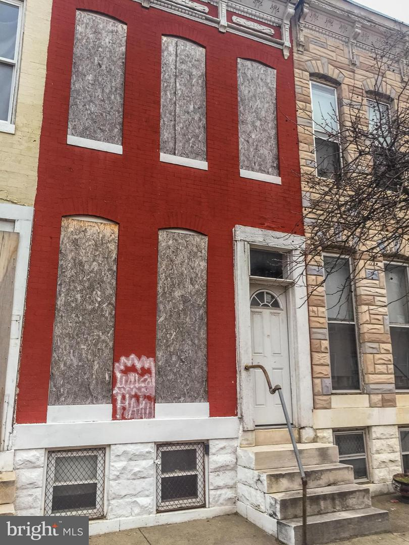 Photo of home for sale at 1424 Aisquith Street N, Baltimore MD