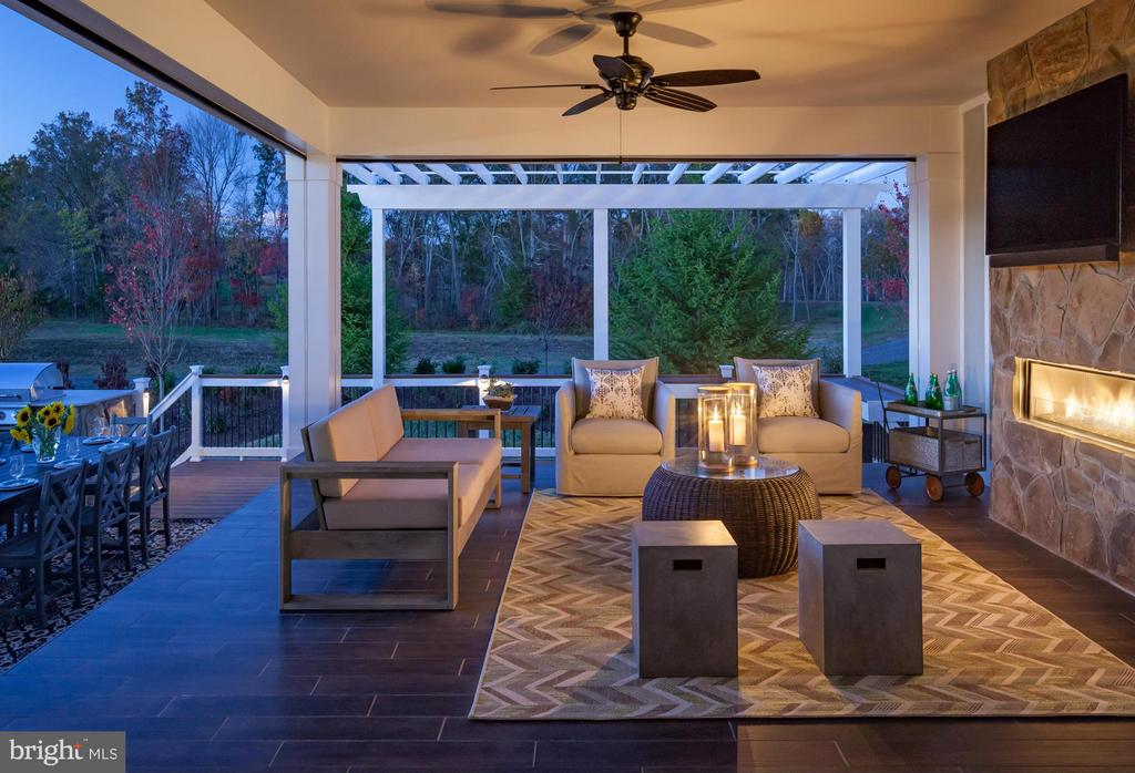 Hollister Outdoor Living Area - 15530 CHILLMARK CT, HAYMARKET