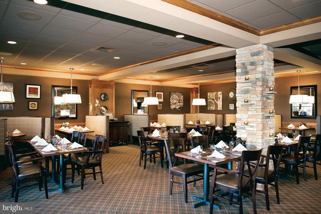 Clubhouse Dining - Mulligans Restaurant - 15530 CHILLMARK CT, HAYMARKET