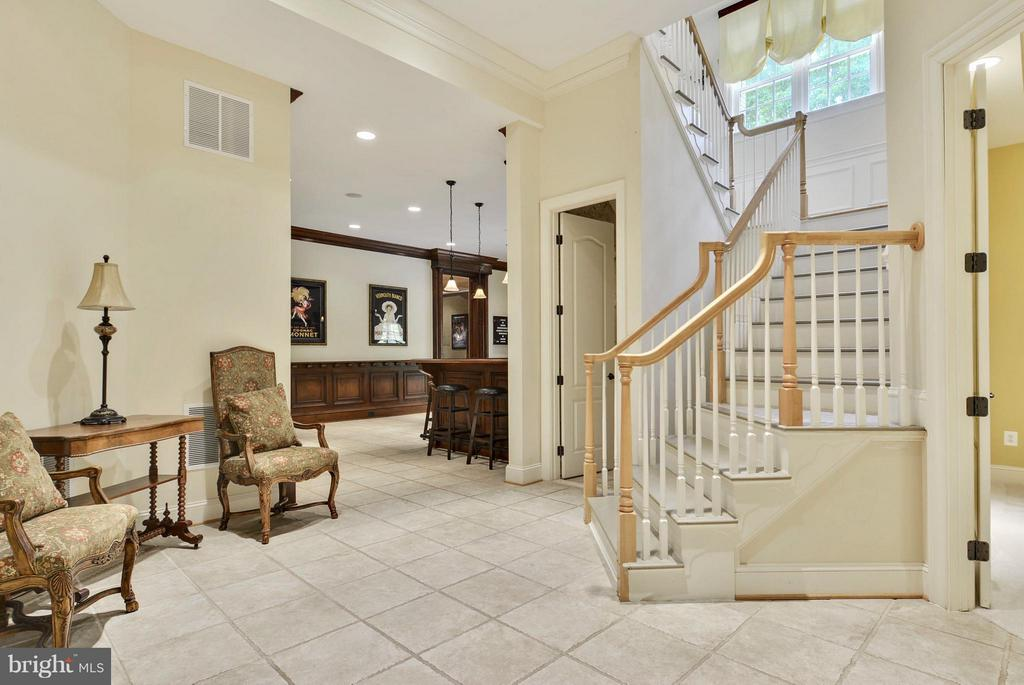 Lower Level Foyer - 11258 SOMMERSWORTH CT, STERLING